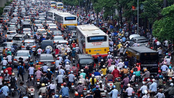 Hãy xem xe tự lái giải quyết tắc đường như thế nào, tiếc thay nó sẽ chưa thể trở thành hiện thực ở Việt Nam