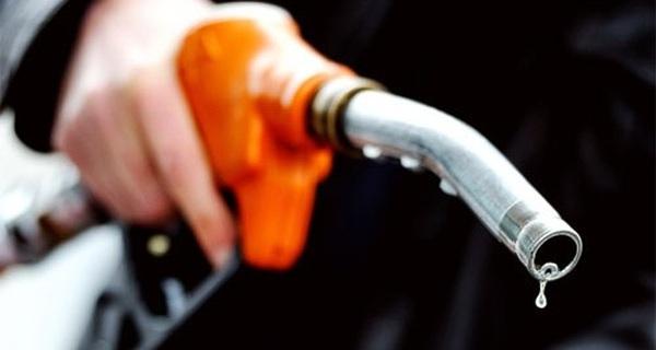 """Với chiêu """"phá sản kiểu Mỹ"""" này, giá xăng khó mà tăng lên được cho dù OPEC hay Nga cắt giảm sản lượng"""