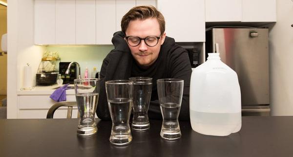 """Thử thách """"uống 4 lít nước mỗi ngày"""" và cái kết không thể tin nổi"""