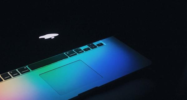 '10 năm sát cánh cùng CEO Steve Jobs làm PR cho Apple, đây là những gì tôi học được'