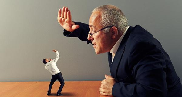 Sống chung với lũ: Cách đối phó với 7 kiểu sếp tệ