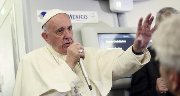 Đến Giáo hoàng cũng phản đối Donald Trump
