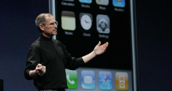 Trong mơ bạn cũng không tưởng tượng nổi chiếc iPhone đầu tiên của Steve Jobs lại 'kinh dị' thế này
