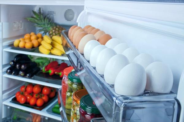 Tại sao người Mỹ để trứng trong tủ lạnh còn người Châu Âu thì không?