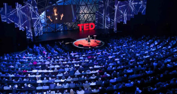 Ông trùm của Ted Talk tiết lộ một bước đơn giản nhưng cực kỳ quan trọng để thuyết trình thành công
