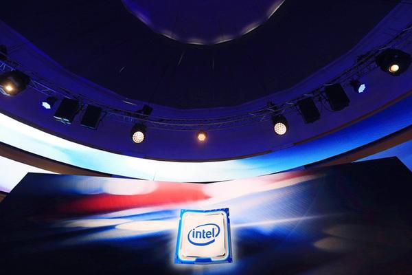 Thất bại với smartphone, Intel quyết phục thù trên mặt trận giá trị 191 tỷ USD