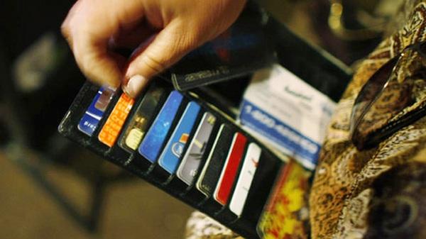 Việt Nam mới hơn 90 triệu dân, nhưng đã có tới 100 triệu thẻ ngân hàng