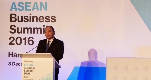Thủ tướng: Năm 2016 Việt Nam hút 300 tỷ USD FDI, kim ngạch thương mại lớn gấp 1,7 lần GDP