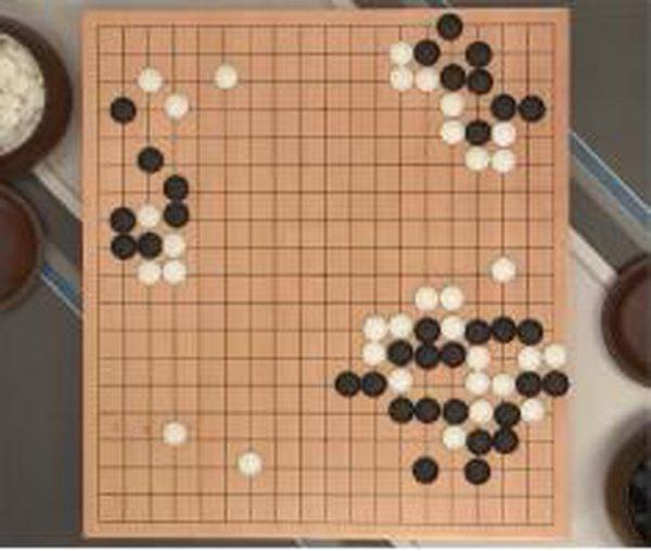 Trực tiếp game đấu thứ 5: Lee Sedol bất ngờ phản công, thế trận lại giằng co