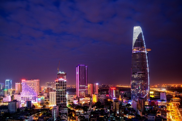Vua hàng hiệu Hạnh Nguyễn kéo các đại gia Mỹ đổ 4 tỷ USD biến Sài Gòn thành trung tâm tài chính mới của Đông Nam Á