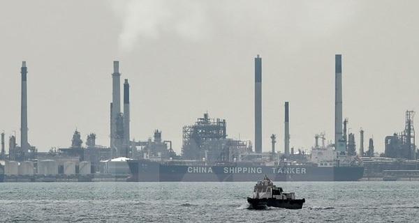 Giá dầu tại thị trường châu Á chạm mức cao nhất trong 8 tháng