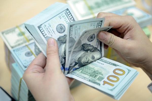 Giá USD tự do lên 23.350 đồng/USD