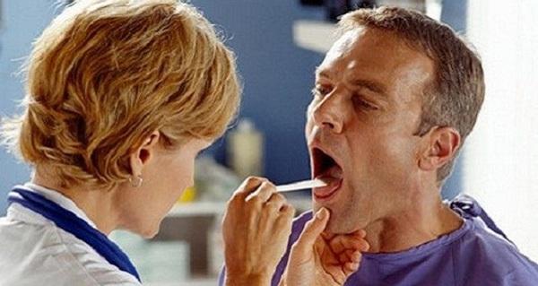 Giật mình thói quen dẫn đến ung thư vòm họng