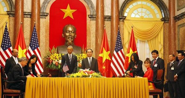 Doanh nghiệp Việt đã đặt bút kí được bao nhiêu hợp đồng sau ngày công du đầu tiên của ông Obama?