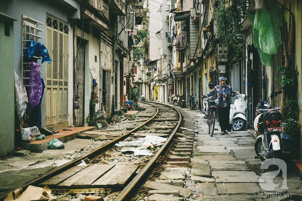 """Có một nơi gọi là """"xóm đường tàu"""" giữa Hà thành hoa lệ, từng làm """"kinh ngạc"""" báo Tây"""