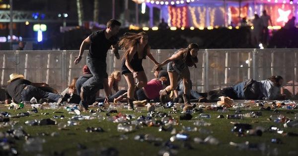 Hàng trăm phát súng xả vào đám đông ở Las Vegas, hơn 120 người thương vong, cảnh sát bắn hạ 1 đối tượng
