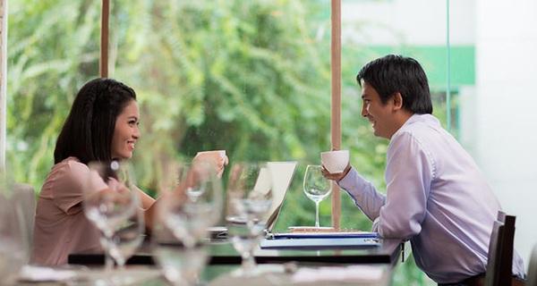 Nhận thấy các đồng nghiệp giỏi giang thường chịu cảnh FA, nữ nhân viên ngân hàng lập startup hẹn hò và mối lái thành công cho 100.000 cặp đôi