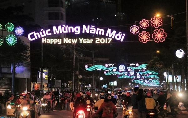 Hà Nội chỉnh trang đường phố, tổ chức nhiều hoạt động văn hóa đón Tết Đinh Dậu