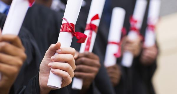 Thành công không nhất thiết tới từ tấm bằng đại học