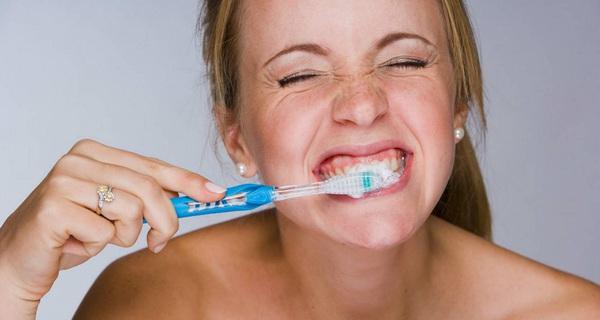 'Một ngày anh đánh răng mấy lần?' - Bài học xương máu cho người thích kinh doanh: Khách hàng thường xuyên không nói thật!