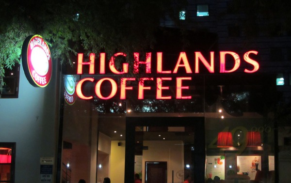 Highlands Coffee tăng trưởng 73% trong khi The KAfe, Gloria Jean's... đóng cửa hàng loạt, công ty mẹ sắp niêm yết cổ phiếu tại Việt Nam