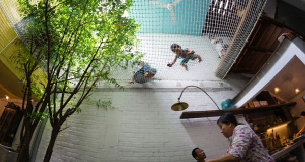 Ngôi nhà ống lụp xụp triệu người mê giữa lòng Sài Gòn