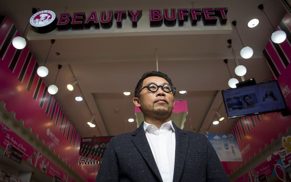 bán son dưỡng da giá từ 10 usd cựu bác sĩ thái lan xây dựng đế chế mỹ phẩm gần 2 tỷ usd