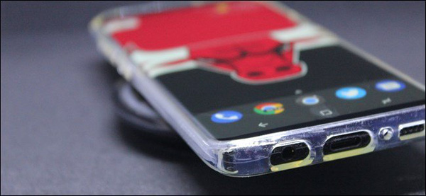 iPhone dùng ốp lưng có xài được sạc không dây không?