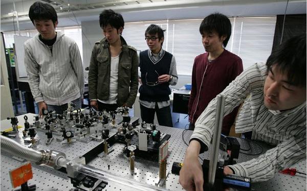 Nhật Bản và cơn đau đầu chảy máu chất xám ngành công nghệ hàng thập kỷ