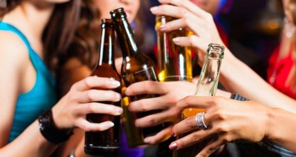 Bộ Y Tế đề xuất cấm bán rượu, bia tại quán karaoke