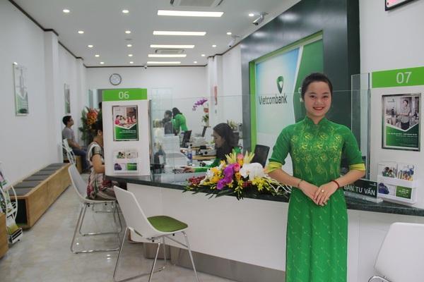 Cổ đông Vietcombank bức xúc vì ngân hàng chi quá nhiều cho quỹ phúc lợi khen thưởng
