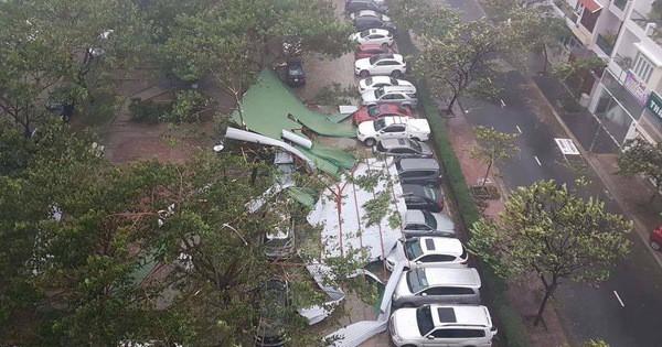 Bão số 12 gây mưa to gió giật kinh hoàng, nhiều xe máy ở Nha Trang, Khánh Hoà bị quật ngã la liệt giữa đường