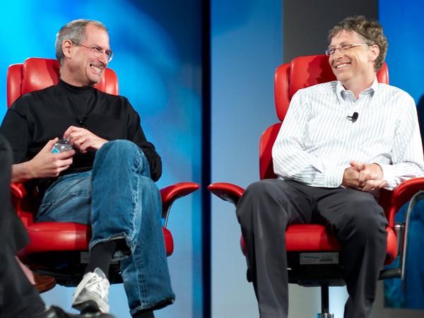 Khi được hỏi có phải đánh cắp ý tưởng của Steve Jobs không, câu trả lời của Bill Gates khiến nhiều người bất ngờ