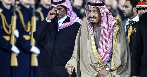 Vua Ả Rập Xê út mang theo đoàn tùy tùng 1.500 người trong chuyến công du lịch sử tới Nga
