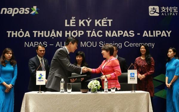 Alipay chính thức bắt tay với NAPAS