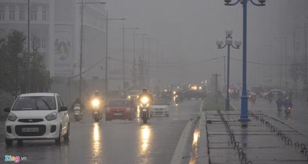Chuyên gia thời tiết lý giải hiện tượng trời Hà Nội tối sầm trong sáng nay