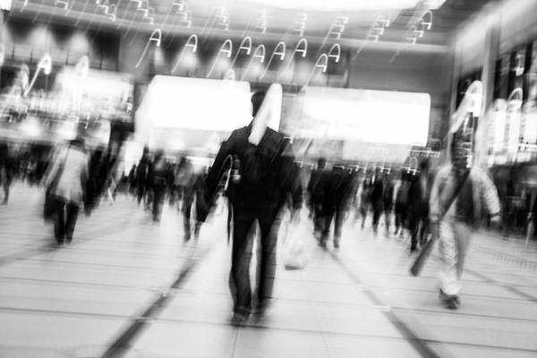 Nhật Bản và câu chuyện về một 'nền kinh tế nuông chiều': Hàng trăm nghìn công ty thua lỗ, khách hàng không có nhưng chính phủ vẫn cấp vốn để cho sống sót