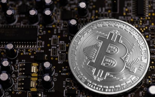 """Xuất thân từ thế giới ngầm, nhưng chẳng phải bitcoin đang ngang nhiên """"diễn"""" ở sân khấu chính hay sao?"""