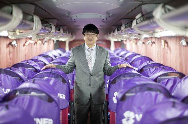 Hành trình trở thành ông chủ đế chế xe bus khổng lồ của chàng trai Nhật Bản không có nổi bằng cấp 3!