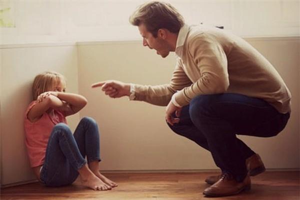 Dạy con sống lọc lõi 'cấm con chơi với đứa đó', nhiều phụ huynh không biết rằng sự khờ khạo, tốt bụng của trẻ là biểu hiện của một tiền đồ xán lạn