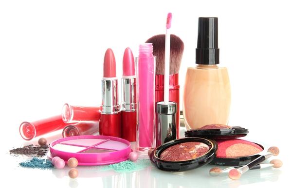 Chính phủ yêu cầu thu hồi 30 loại mỹ phẩm có vấn đề