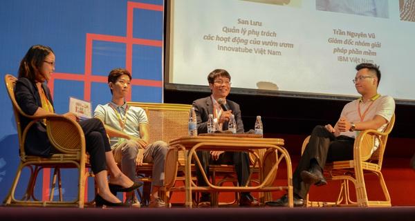 Chuyên gia Việt khẳng định viễn cảnh máy móc thay thế con người là rất xa vời
