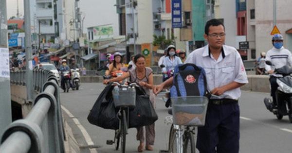 Cậu học trò nghèo giúp mẹ nhặt ve chai ở Sài Gòn đạt 9.6 điểm Toán trong kỳ thi THPT Quốc gia