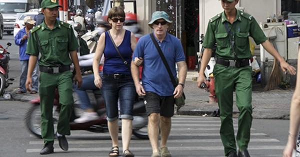 Người dân TP HCM nói gì về bộ quy tắc ứng xử của Sở Du lịch?