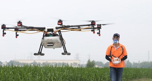 """""""Ruộng sâu trâu nái"""" bây giờ cũng không bằng mùa gặt hái, nuôi trồng mà nông dân có được thiết bị công nghệ này"""