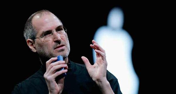 """Để được vào Apple, bạn sẽ trả lời sao nếu được Steve Jobs phỏng vấn: Lần đầu tiên bạn """"quan hệ"""" là khi nào?"""