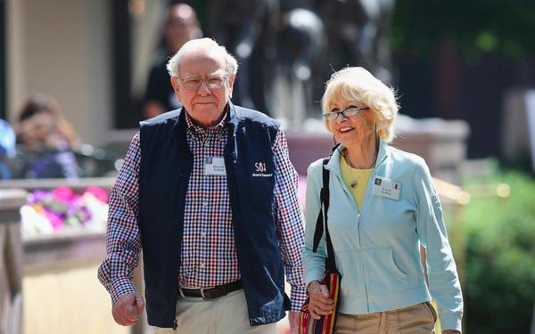 Tỷ phú Warren Buffett và mối nhân duyên kỳ lạ với 2 cuộc hôn nhân