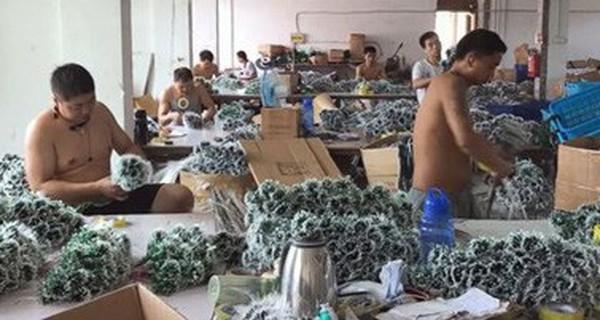 """Đột nhập """"Ngôi làng Giáng sinh"""" quanh năm tại Trung Quốc"""