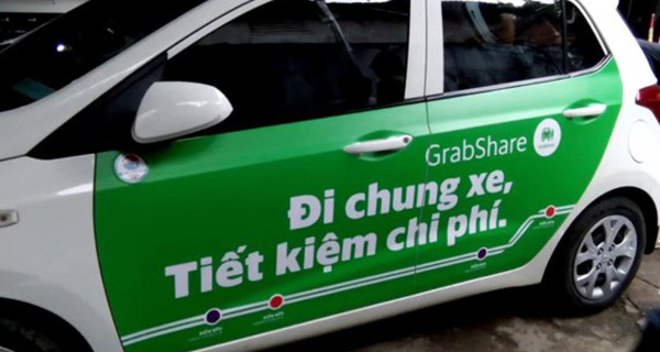 Bộ GTVT yêu cầu Grab và Uber dừng dịch vụ đi chung xe