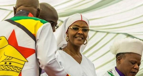 Grace Mugabe: từ cô đánh máy thành đệ nhất phu nhân